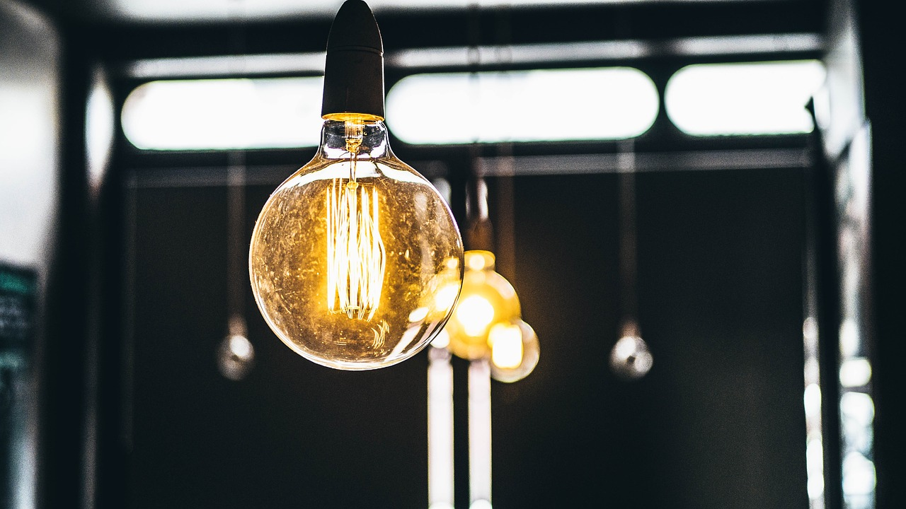 Different Vintage Bulbs to Give Your Home a Stylish Edge